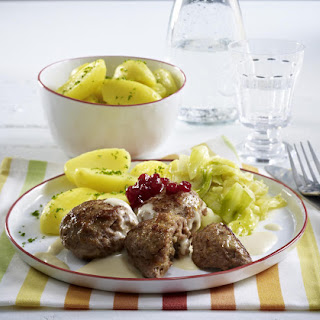 Norwegian Meatballs with Gravy and Jam