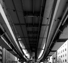 Photo: ■Today's Elevated Expressways This photo is taken by +Takahiro Yanai ! Tokyo Metropiolitan Expressways Route 9 Fukagawa Line (首都高速9号深川線)  from below angle ! :D 今日の高架道路をご紹介。 箱崎をわざと背にした場合、こういう光景が見えます。 +Elevated Expressways #elevatedexpressways #tokyo #architecture