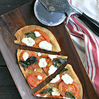 Fresh Tomato Pizza with Crushed Fennel and Goat Cheese Recipe