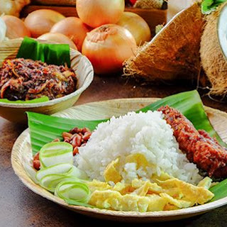 Nasi Lemak with Sambal Ikan Bilis