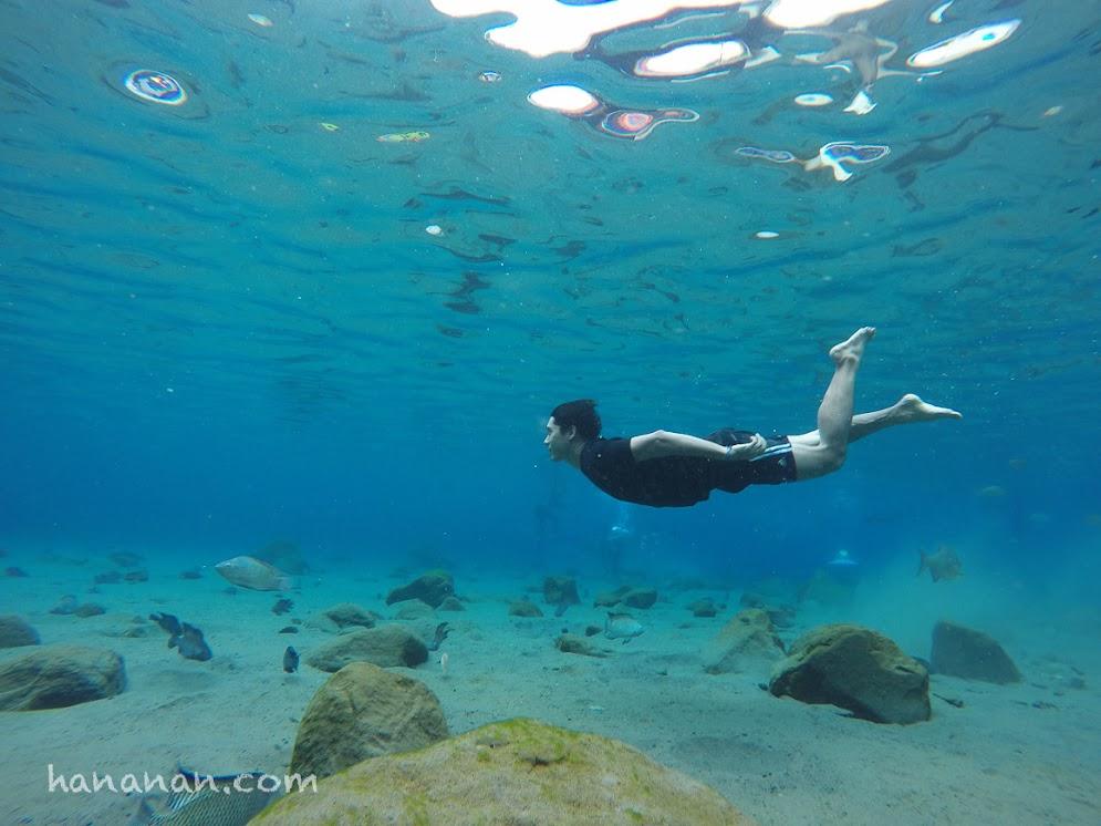 Foto underwater umbul ponggok, bening jernih, selfi underwater umbul ponggok