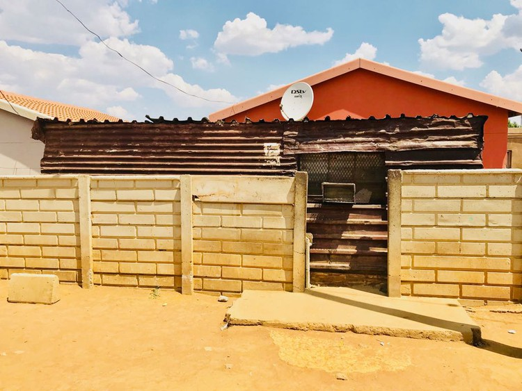 Nkosi Kubheka was renting this shack to a Mozambican immigrant for R1,000 per month, who ran a kiosk from it. But in the wake of xenophobic violence the Mozambican man has left Duduza, leaving the area without a shop and Khubeka out-of-pocket.