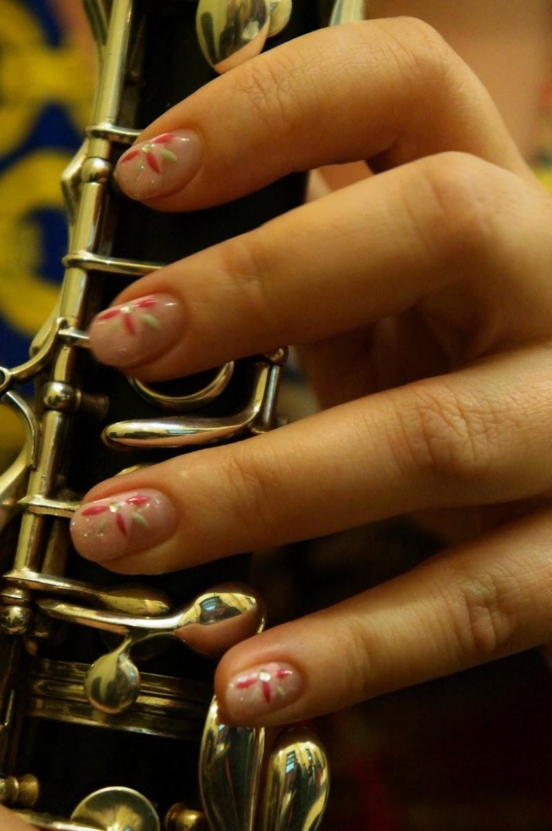le unghie fantasiose della clarinettista di Doremi