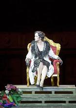 Photo: Wiener Staatsoper: DIE SACHE MAKROPULOS. Inszenierung Peter Stein, Premiere am 13. 12.2015. Laura Aikin. Foto: Wiener Staatsoper/ Michael Pöhn