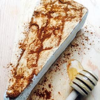 Cinnamon Brie with Honey Drizzle Recipe