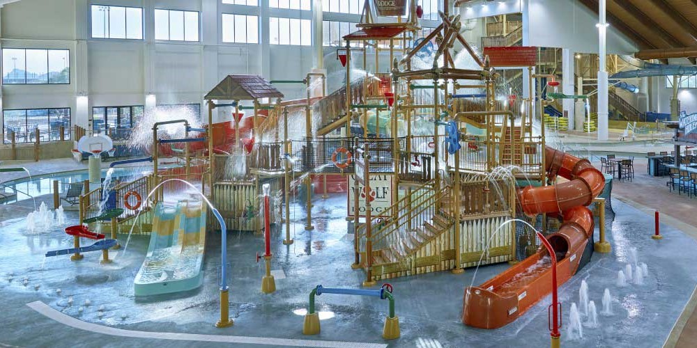 indoor water park in the Great Wolf Lodge