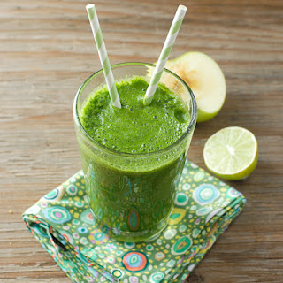 Bright Morning Apple Lime Leafy Green Smoothie.