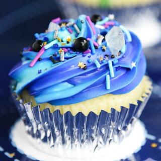 Easy Galaxy Cupcakes.