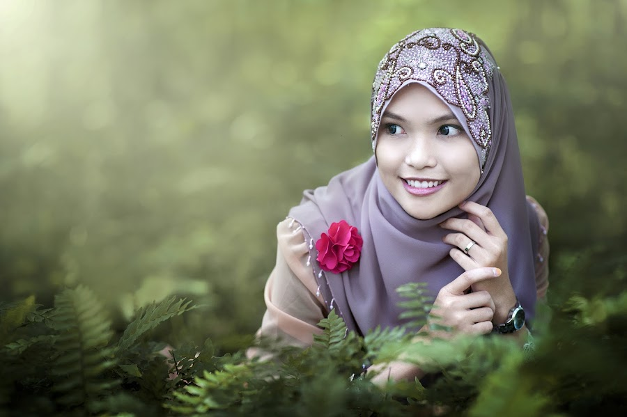 by Zulkifli Idris - People Portraits of Women