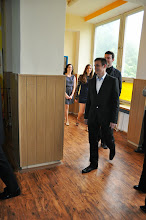 Photo: Slavnostní předávání maturitního vysvědčení, třída 4. A (2009 - 2013). Učebna výtvarné výchovy (čtvrtek 6. červen 2013).
