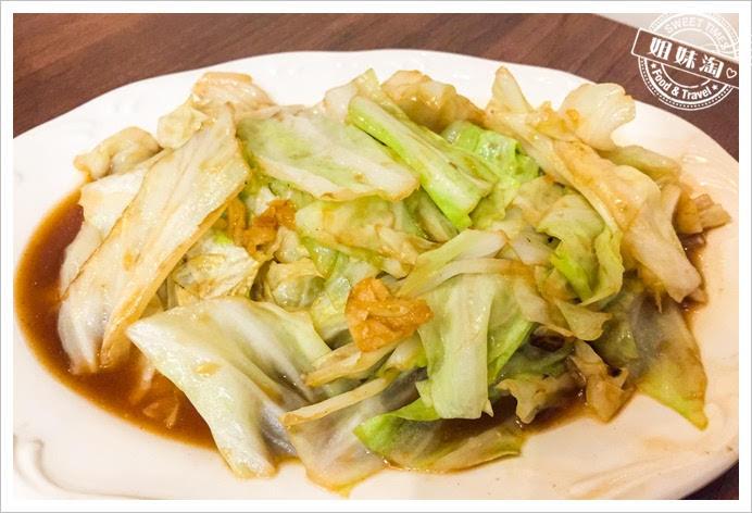 竹棧複合式餐飲高麗菜