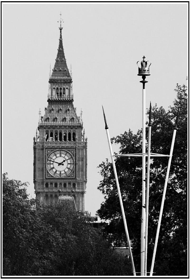 London Pointed di Pierluigi Terzoli