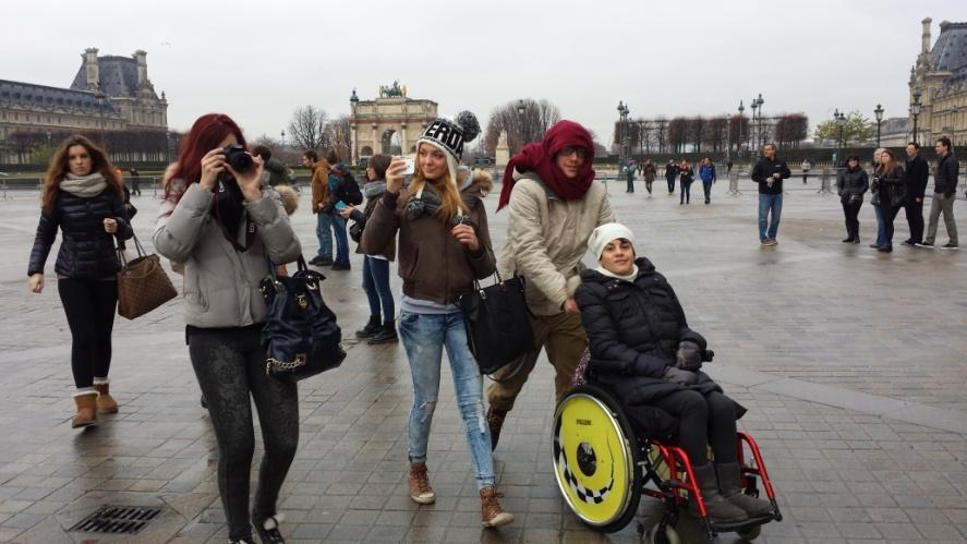 C:\Users\Sara\Desktop\FOTO ATTIVITA', SCUOLA E GITE 2012-2013\29- Parigi\Parigi (327).jpg