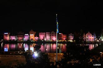 Photo: Vista nocturna desde la ventana del hotel