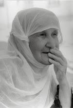 Photo: Old woman, Diyarbakir, North Kurdistan (Turkey) 2003