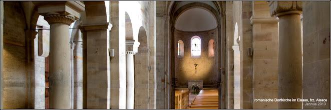 Photo: romanische Dorfkirche im Elsass, frz. Alsace  Die Kirche St. Peter und Paul (Französisch: Église Saints-Pierre-et-Paul) in Rosheim im Bas-Rhin. Sie stellt eine der wichtigsten Etappen an der Romanischen Straße im nördlichen Elsass dar.