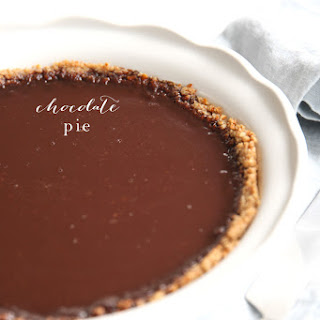 Easy Chocolate Pie with Pretzel Crust