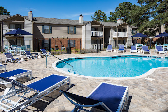 Ashford Place Apartments in Mobile, Alabama | Pet Friendly