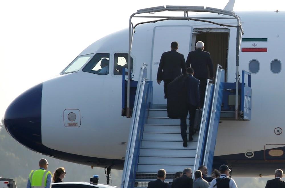 Die Iraanse gesant Zarif verskyn vlugtig tydens die G7-beraad