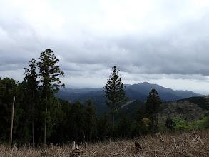 右に堀坂山