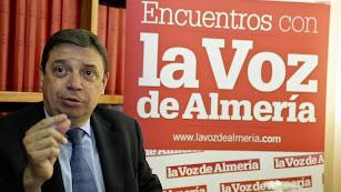 Luis Planas en su última visita a la redacción de La Voz de Almería