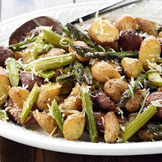 Cheesy Garlic Roasted Potatoes & Asparagus.