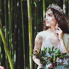 Wedding photographer Snezhana Semenova (Snejnaya). Photo of 09.11.2018