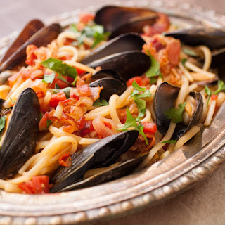 Spicy Mussel Linguine