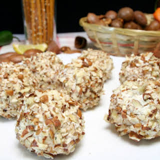 Pecan and Cheddar Cheese Balls.
