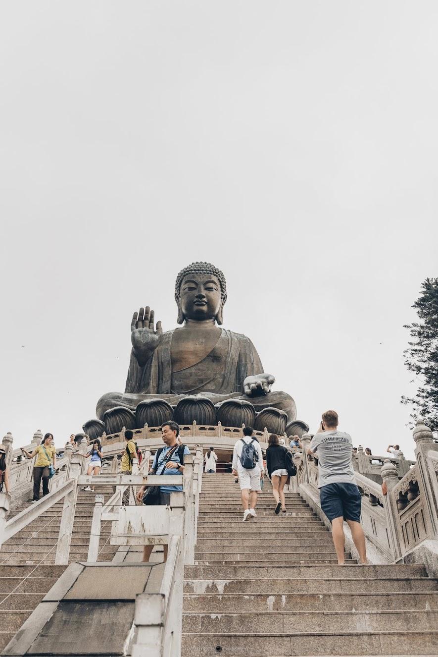 大嶼山大佛是世界第二大青銅坐佛像,僅次於高雄佛光山大佛。