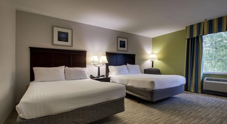 Holiday Inn Express Hotel & Suites Middleboro Raynham