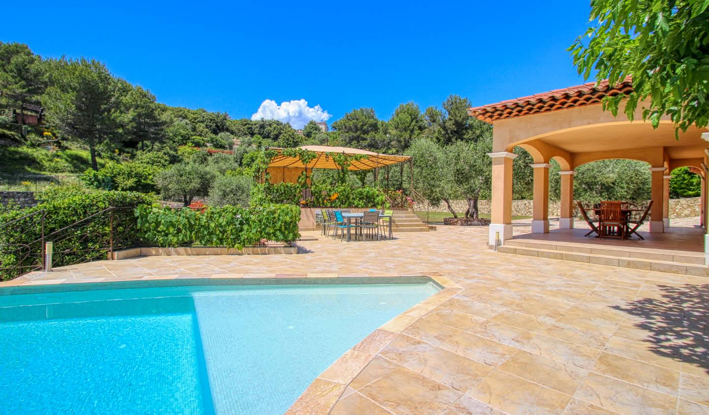 Property with pool and garden La Turbie