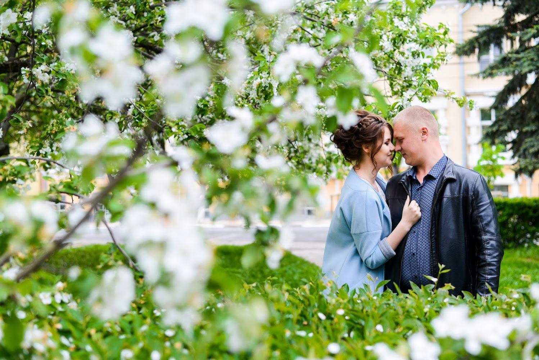 Пригласить фотографа на свадьбу любила