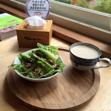 蕃薯藤自然食堂TINA廚房