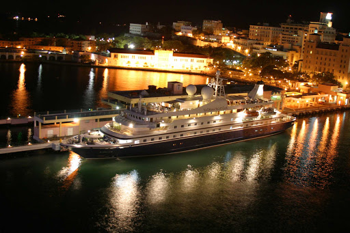 Seadream-night-san-juan.jpg - SeaDream II docked in San Juan, Puerto Rico, at night.