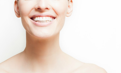 How To Whiten your Teeth at Ho...