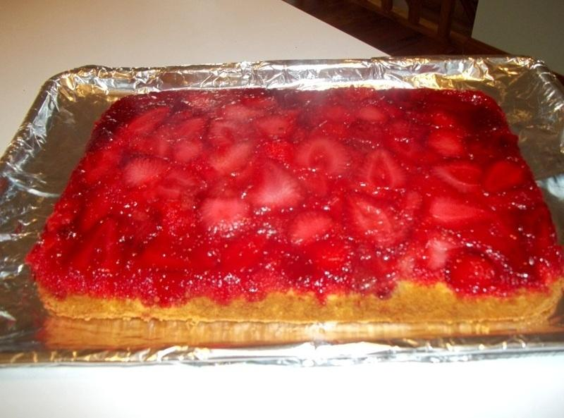 U Side Down Strawberry Cake