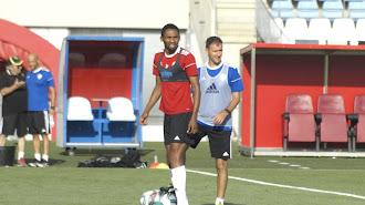 Lucien Owona en el entrenamiento de este jueves.