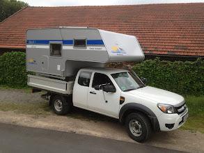Photo: Diese 2013er Camp-Compact ist nun auf einem Ford Ranger mit Pritsche unterwegs.  Infos zur Kabine finden Sie hier: http://www.nordstar.de/nordstar-modelle/camp-compact/index.html