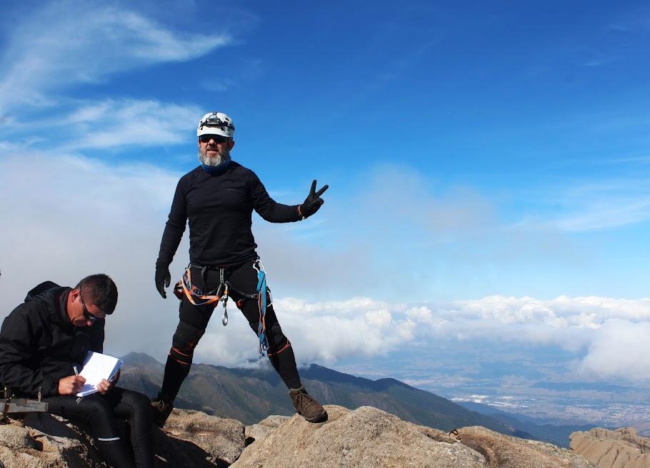 Pico das Agulhas Negras, 2790,94m, quinta Montanha mais alta do Brasil e ponto culminante do Rio de Janeiro. Parque Nacional do Itatiaia. Rio de Janeiro, Brasil. Jean Marie Polli e Jean Felipe Lopes.