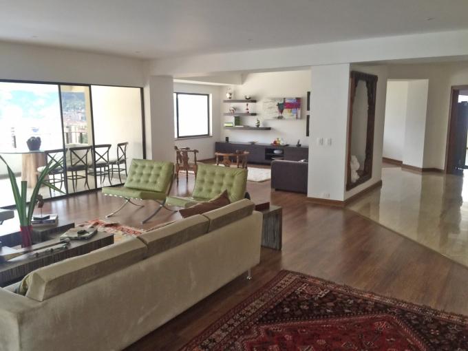 apartamento en venta poblado 585-2489