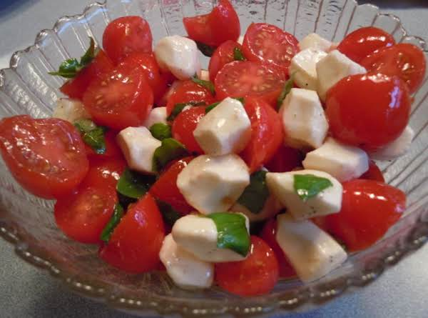 Tomato, Mozzerella, Basil Salad