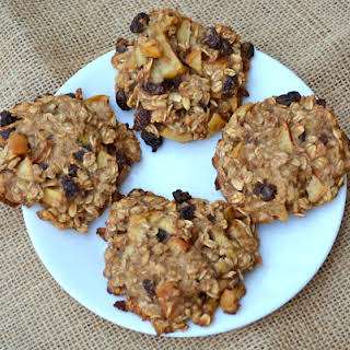 Delicious & Healthy Breakfast Cookies.