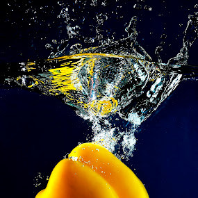 by Pete G. Flores - Food & Drink Fruits & Vegetables ( cool, water, autofocus, fruit, sparkling, drop, vegetables, otip, yellow )