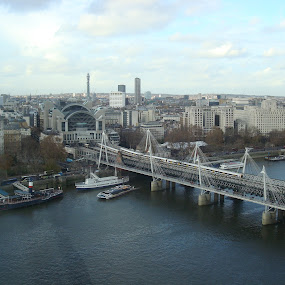 Bridge in London by Yury Tomashevich - Buildings & Architecture Bridges & Suspended Structures ( water, london, train bridge, bridge, bridges, river,  )