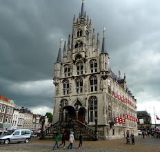 Photo: Kein Märchenschloss, sondern das Rathaus von Gouda. 1