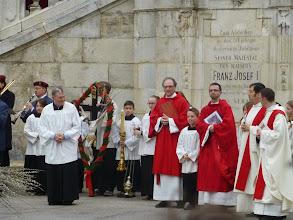 Photo: Die liturgische Farbe des Palmsonntags ist ROT.