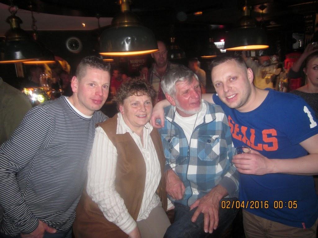 Barry's verjaardag in Dorpscafé de Brink met Auke en Ellen en een hele hoop andere lieve, leuke mensen
