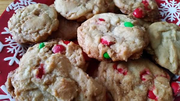 Crispy Red And Green Cookies