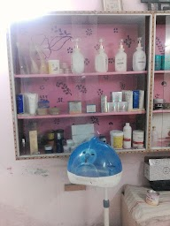 Naaz Beauty Salon photo 2